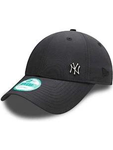 Cappello logo metallico visiera curva NEW ERA