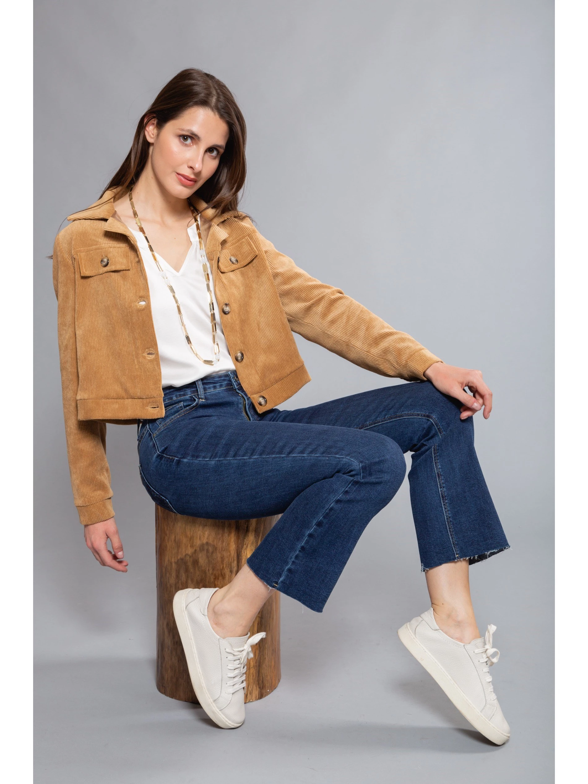 JEANS WITH SHORT LEGS