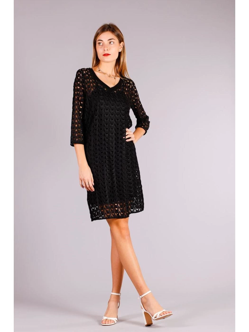 PERFORATED DRESS WITH SLEEVES 3/4