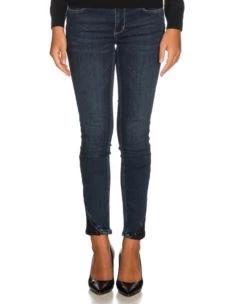 jeans pizzo e pietre sul fondo UF0001D4268