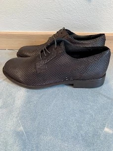 Derby shoe unlined viperine leather Minoronzoni